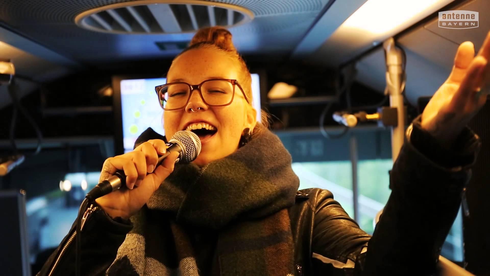 Stefanie Heinzmann – Antenne Bayern Schulbuskonzert